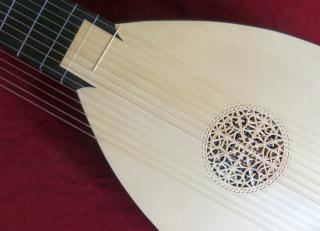 French Theorbo - Photo: Wolfgang Emmerich